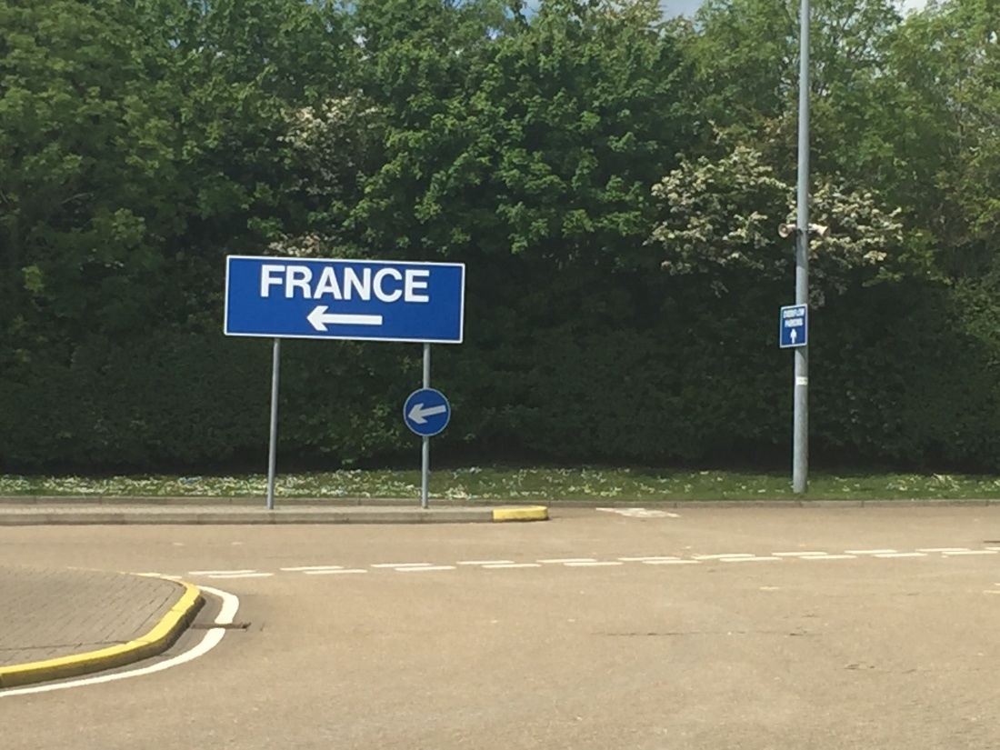france signpost.JPG